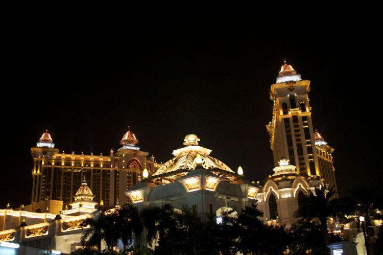 Fasaderna på kasinokomplexen är en fröjd nattetid