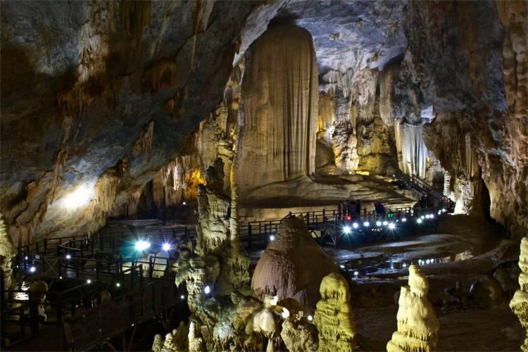 En av salarna i Paradise Cave