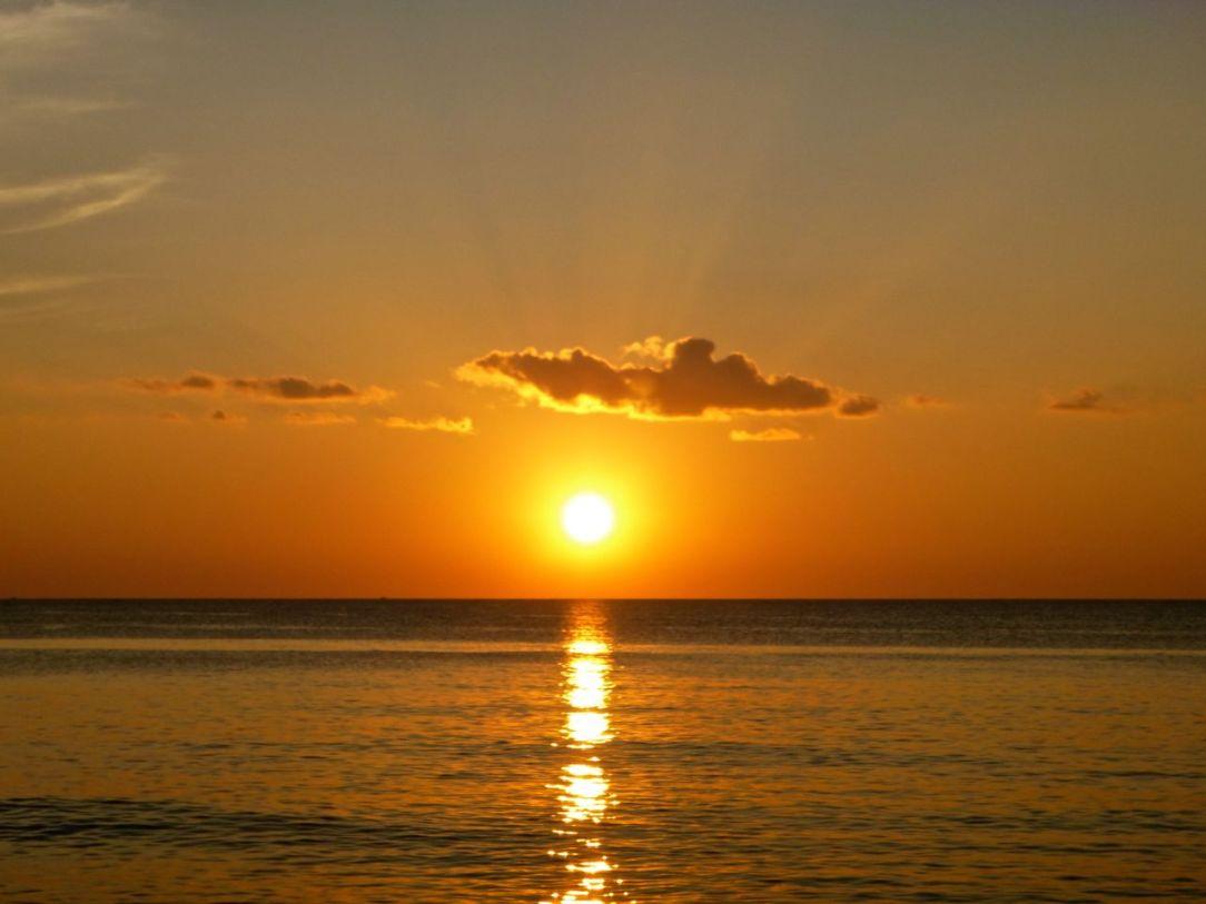 Solnedgången från Long Beach, ett självklart inslag på Phu Quoc