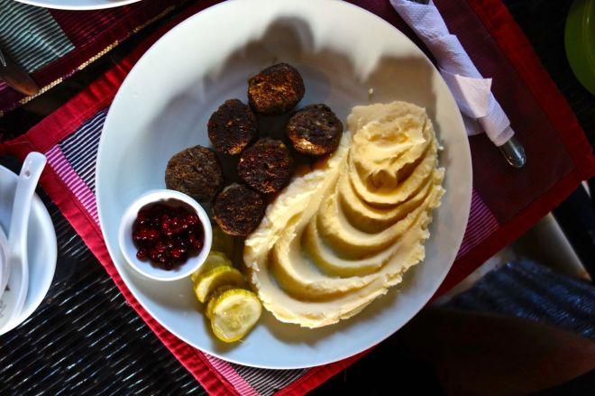 ALLTSÅ. Norden Guesthouse bjöd på köttbullar som var helt fantastiska. Även om det inte var lingon, utan tranbär så var måltiden helt otrolig.