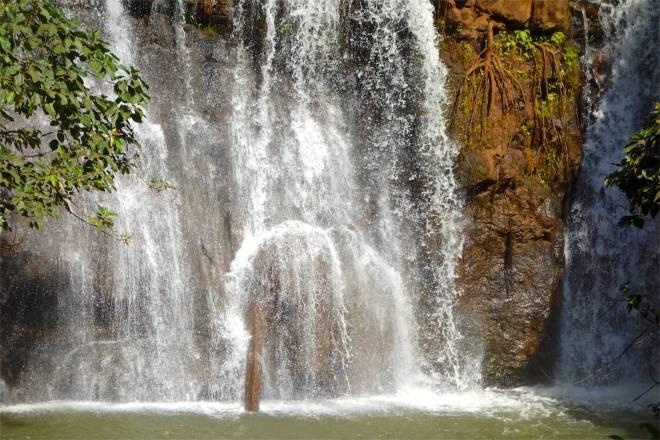 Vad är det med vattenfall som känns så magiskt? Ljudet, vattnet, djungeln. Här var det i alla fall himla härligt!