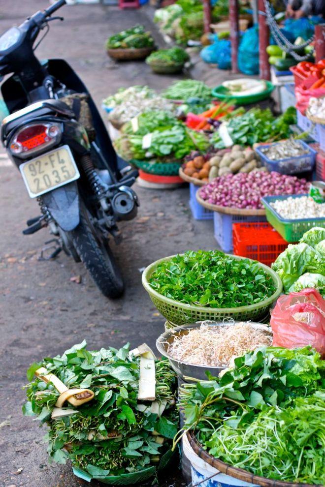 Dagsfärska örter och grönsaker. Färgerna!