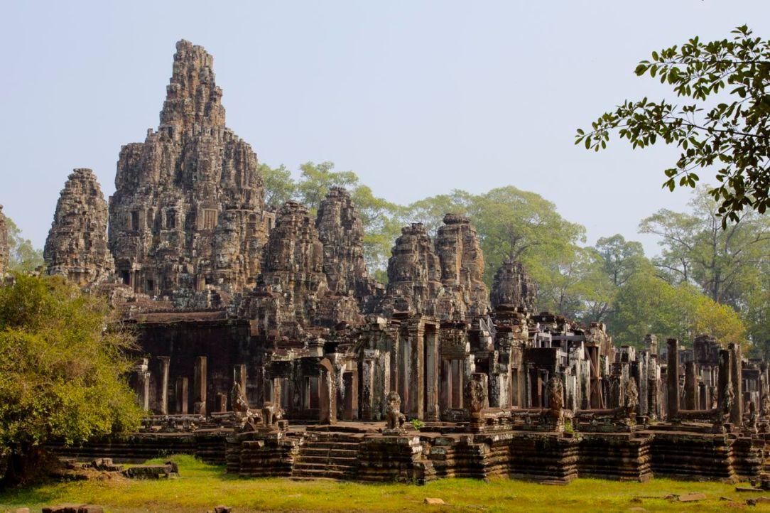 Templet sett från sidan.