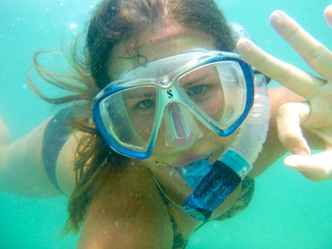 Jag ger snorkling som aktivitet fem dykarklockor, trots begränsad sikt och lite trista färger.