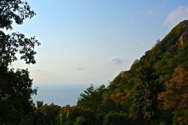 På höjderna svalkar verkligen vinden. Att ha en horisont av hav kan vara bland det vackraste jag vet.