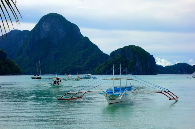 Såhär har våran senaste tid sett ut i Filippinerna. Regnet tar över.