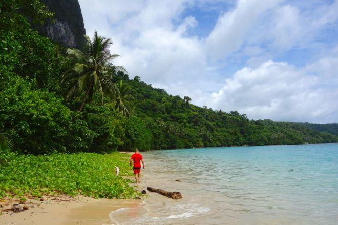 Britten Alex var med på vår tur och tog en promenad en morgon. Han har bott i Filippinerna i 2,5 år. Expeditionen var det bästa han upplevt i landet. Det säger kanske inte allt, men ändå något.