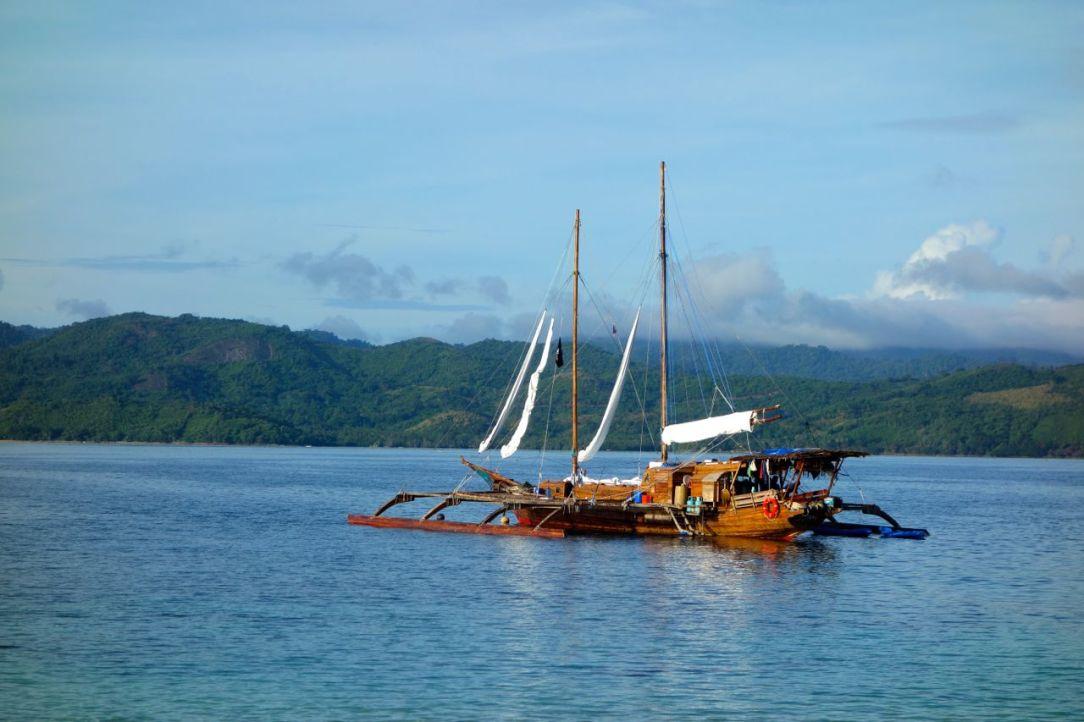 Balatik i full prakt. Det är Filippinernas största paraw. Den traditionella segelbåten tog nästan två år att bygga och är ett mästerverk!