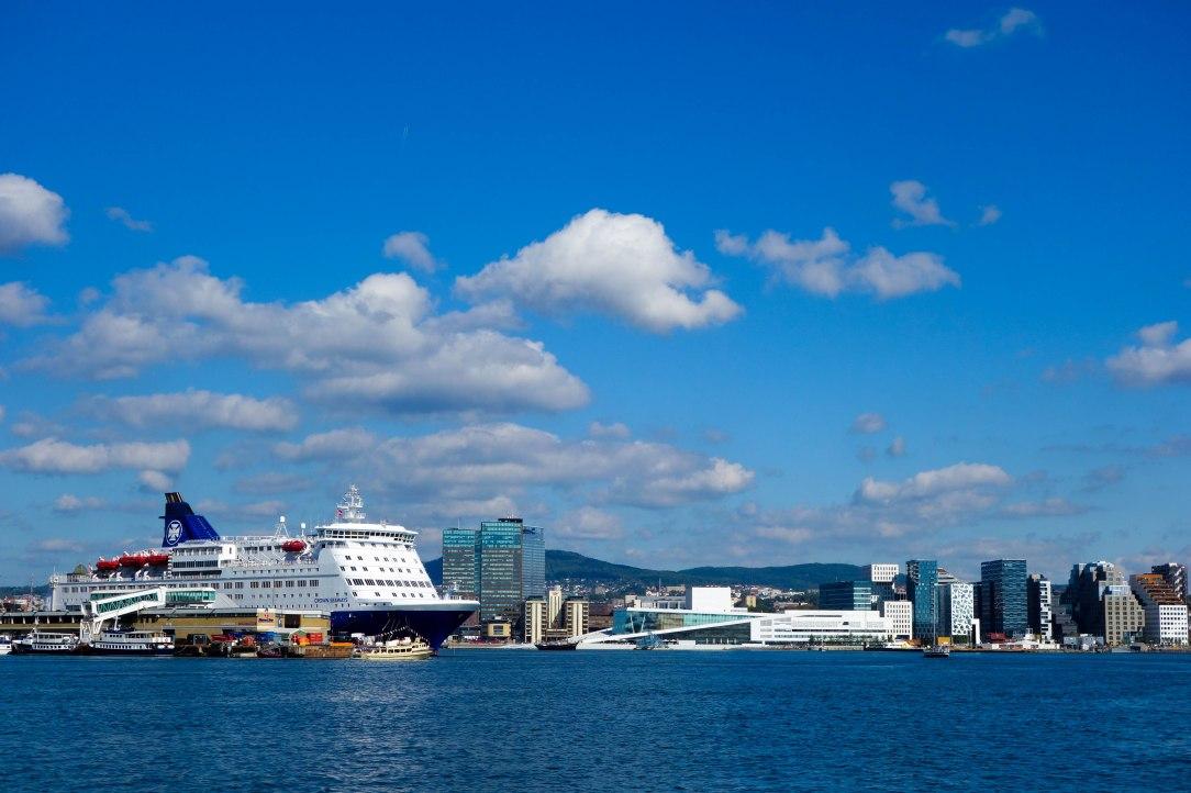 ... och operan och danskebåten å andra.
