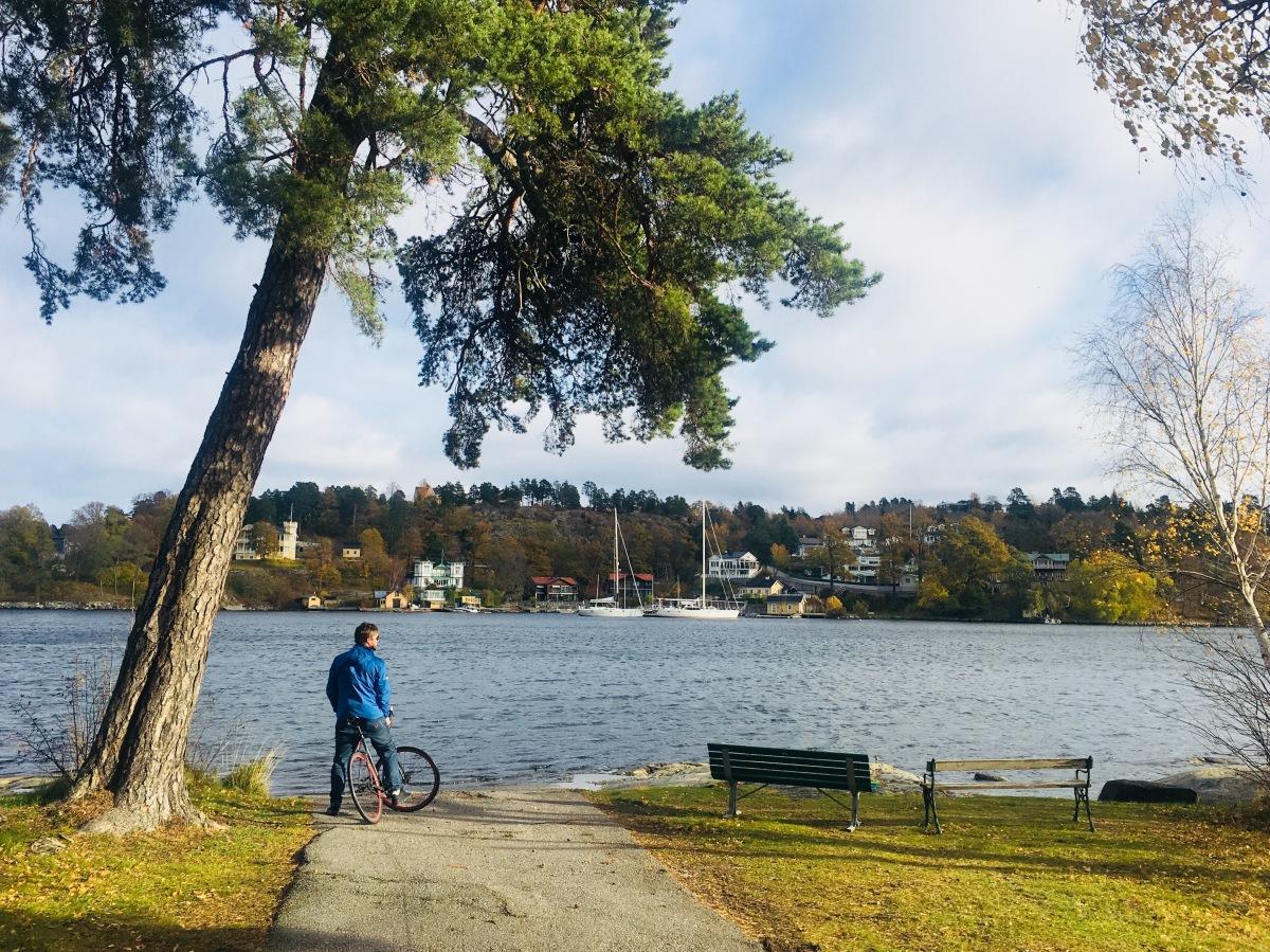 Små stugor och stora slott på cykel runt Saltsjö-Duvnäs